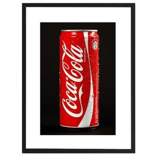 """Lichtbeständiger Druck """"Cola"""" mit Pigmenttinten auf warmweißen, matt gestrichenem Lithopapier (235 gramm) im schwarzen Rahmen"""